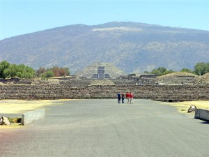Teotiuacan road of the dead